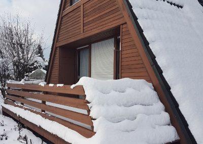 Ferienhaus-Fichtelgebirge-Nagel-am-see-Winter-Balkon-01